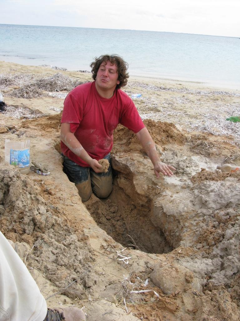 Ras Etteen tomba scavata A 1